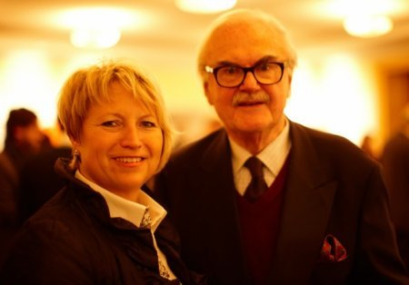 Staatsministerin Cornelia Pieper und Prof. F.C. Gundlach. Viele Gäste, wie der Herausgeber der Fachzeitschrift Textilwirtschaft, Peter Paul Polte, waren von ihrem der Mode gegenüber sehr aufgeschlossenem Grußwort überrascht.
