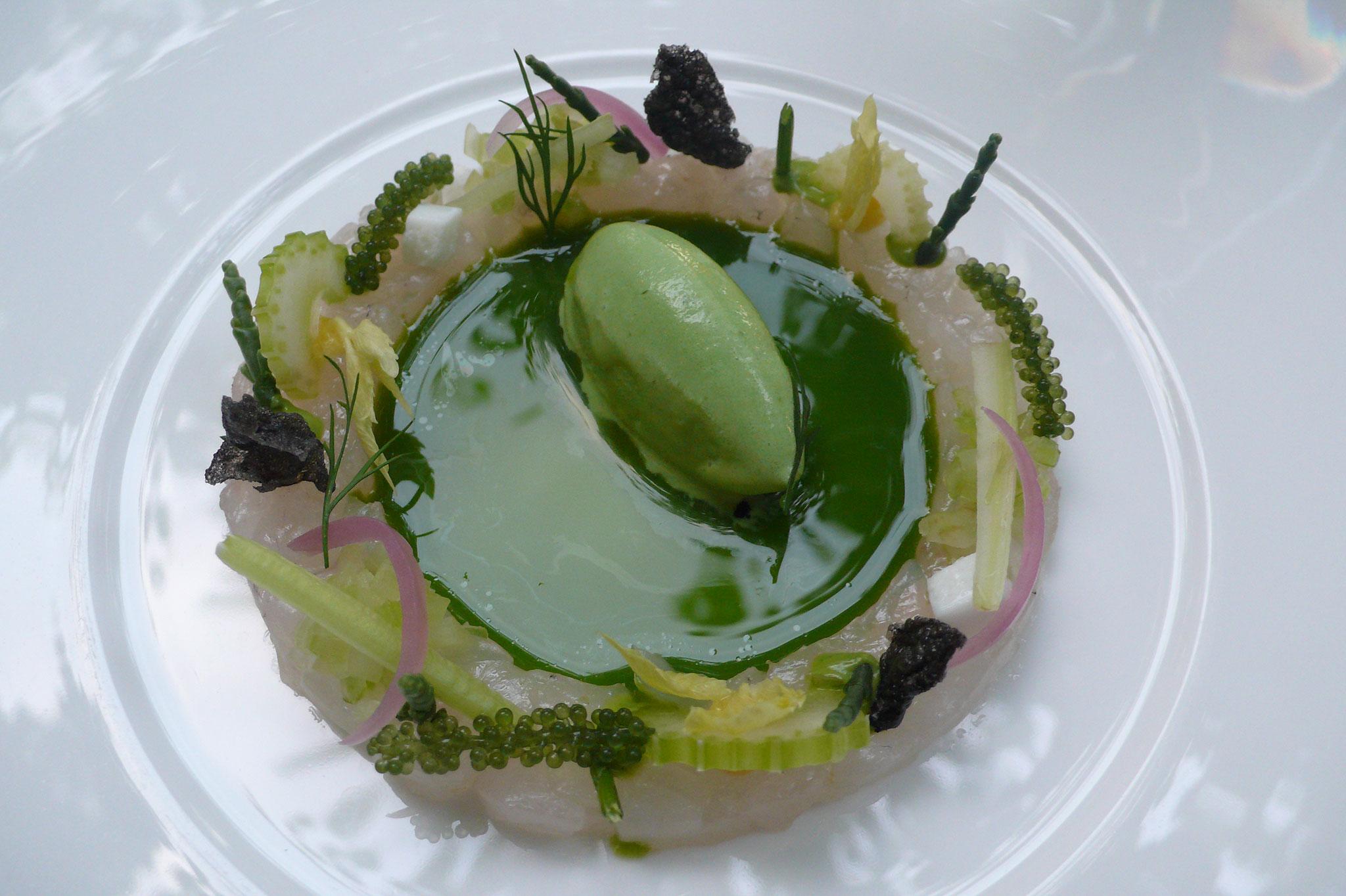 Die gradlinige 2-Sterne Küche von Thomas Martin.