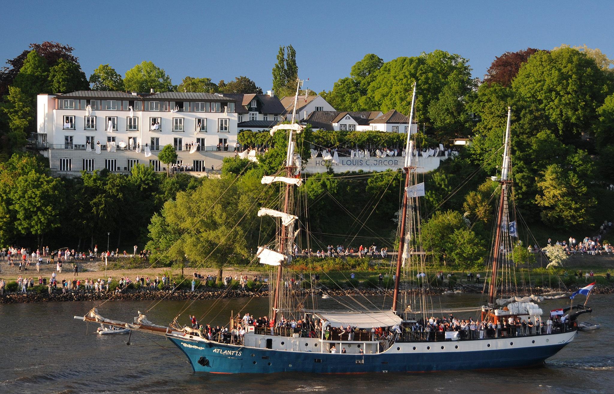 Beim Hamburger Hafengeburstag feiert das Hotel Louis C. Jacobs gerne mit.
