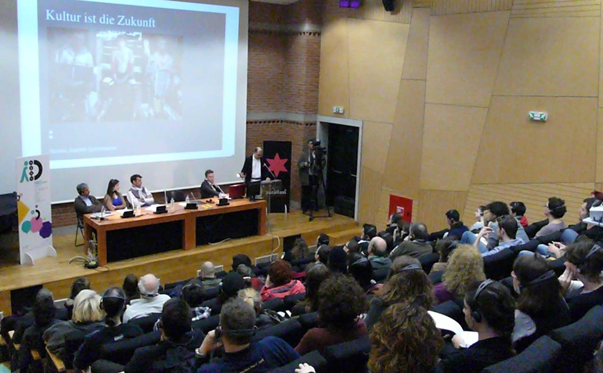 Die wichtigsten Vertreter der Kreativszene trafen sich beim Symposium.