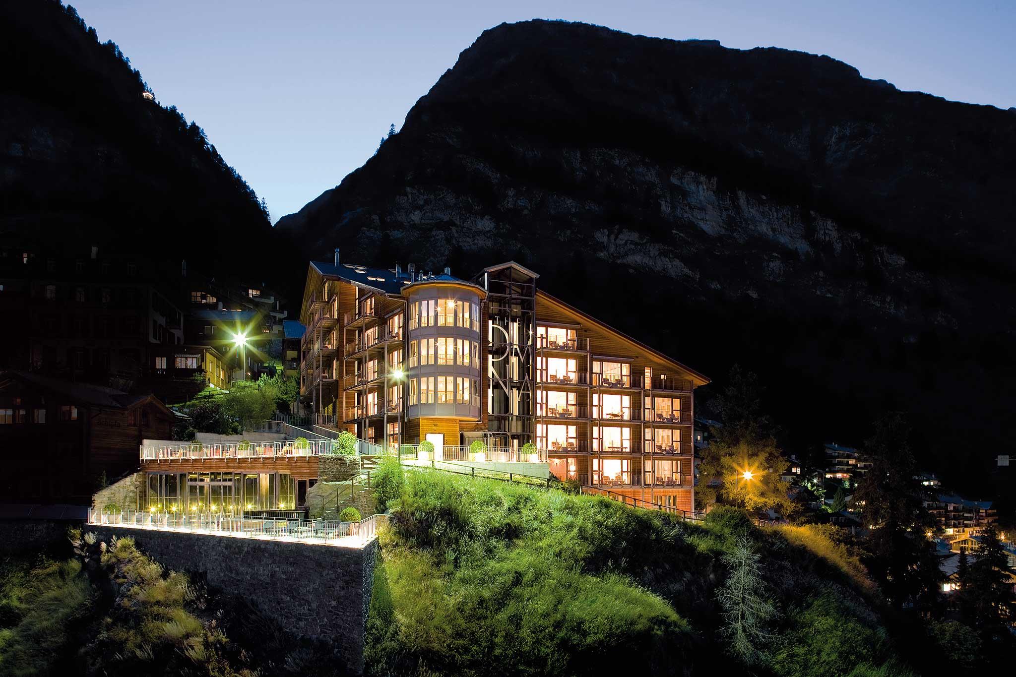 Das Hotel liegt auf einem Fels 45 über Zermatt.