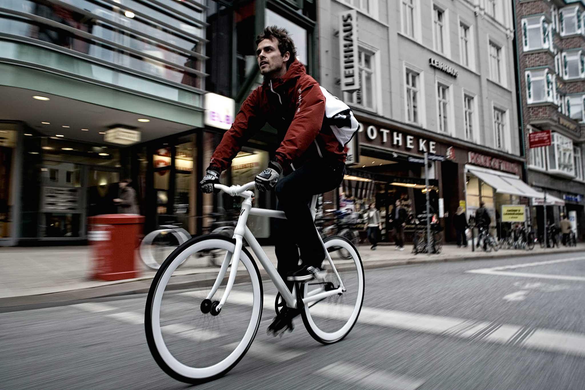 Radfahren mitten in der Stadt: In Hamburg Alltag, in China ein neuer Luxus.