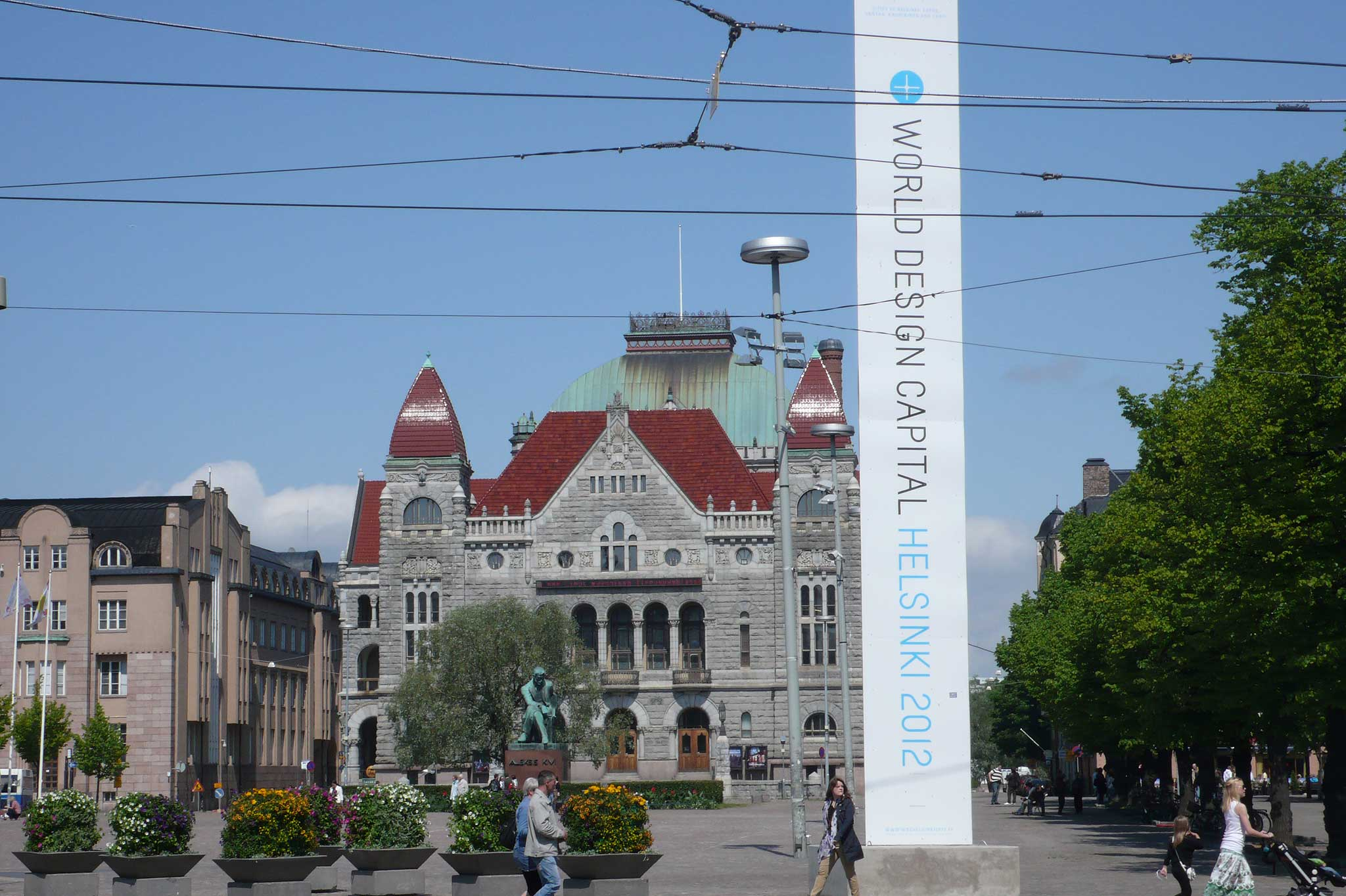 An vielen Orten in Helsinki wird auf das Designjahr aufmerksam gemacht.